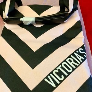 NWT Limited Edition VS XXL chevron weekender tote